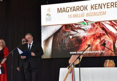 Magyarok Kenyere-Kenyérünnep
